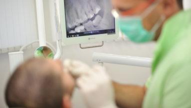 implantologija poliklinika arena